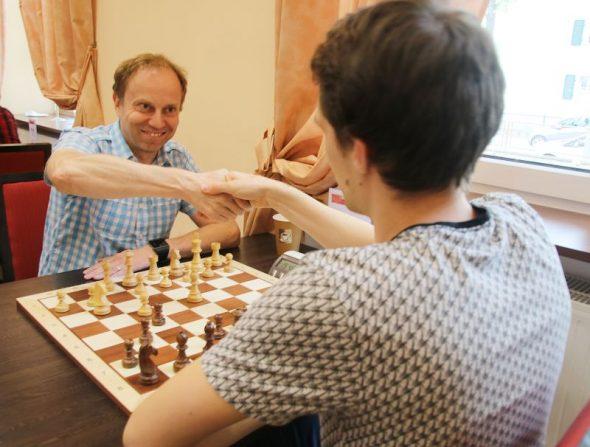 Metz im Team wieder Chess960-Meister